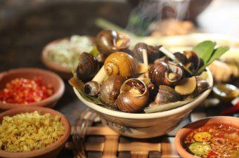 [2021] Ăn sạch 10+ quán ốc ngon Hà Nội hút khách ầm ầm
