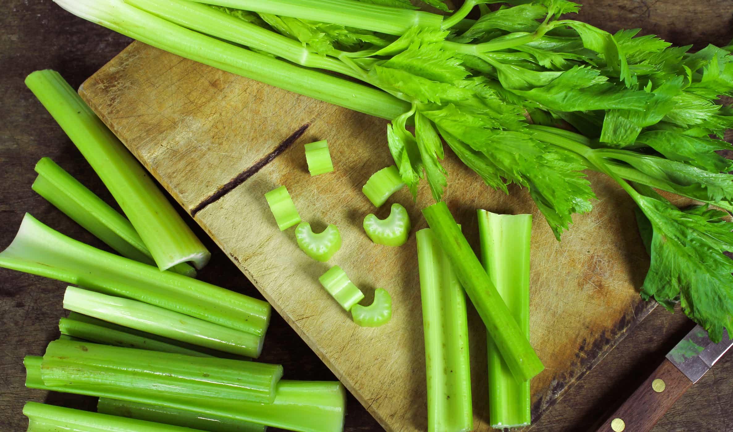 cách nhặt rau cần tây