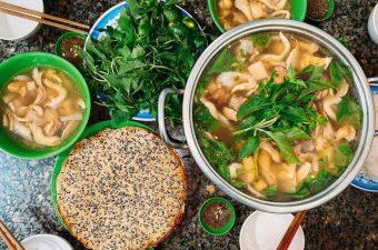 Cách nấu lẩu gà lá é Thơm Ngon, chuẩn hương vị Đà Lạt
