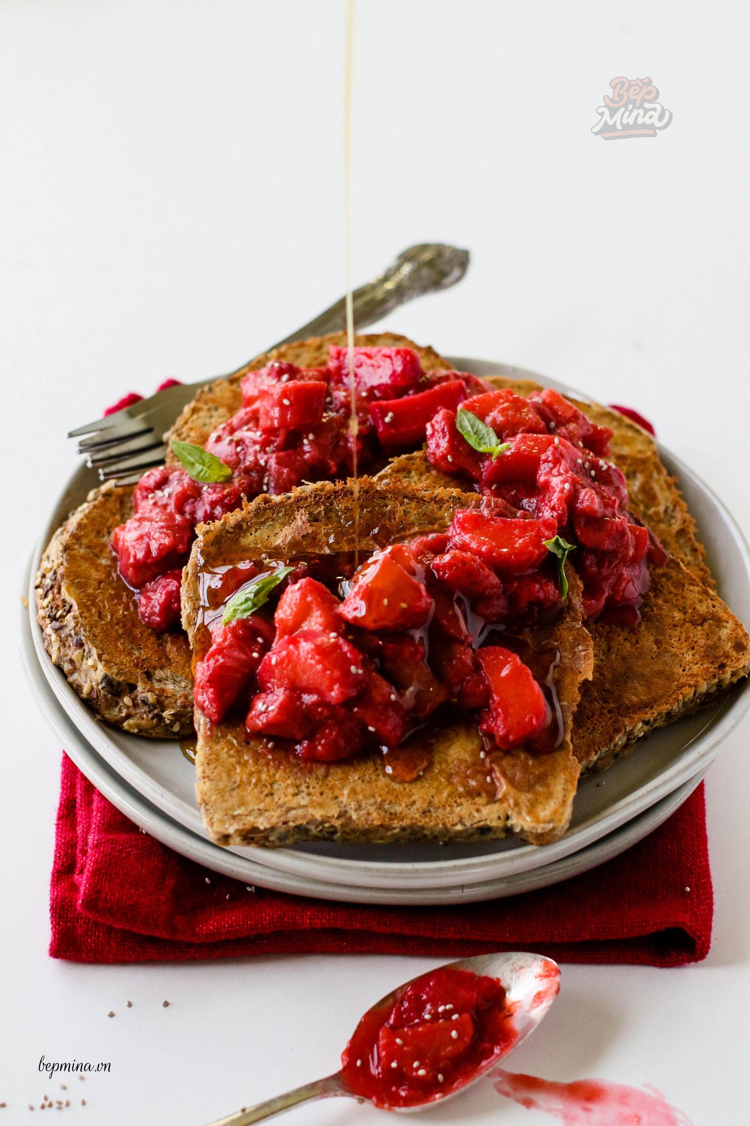 Bánh toast dâu tây