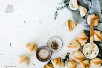 [MỚI] Cách Làm Bánh Mì Xoắn Ốc Mềm Thơm Cực Đơn Giản