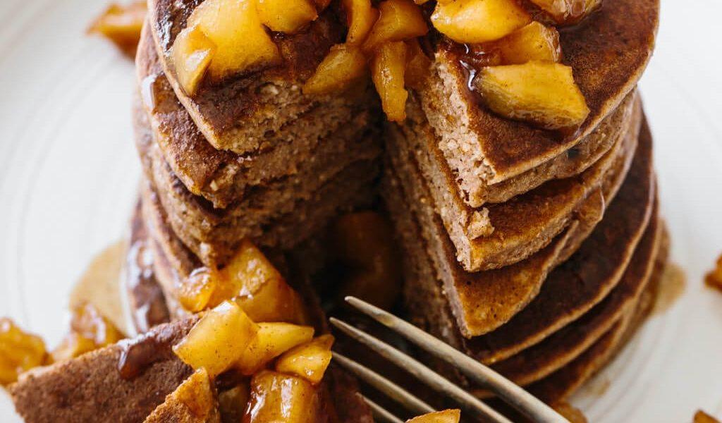 cách làm bánh pancake táo