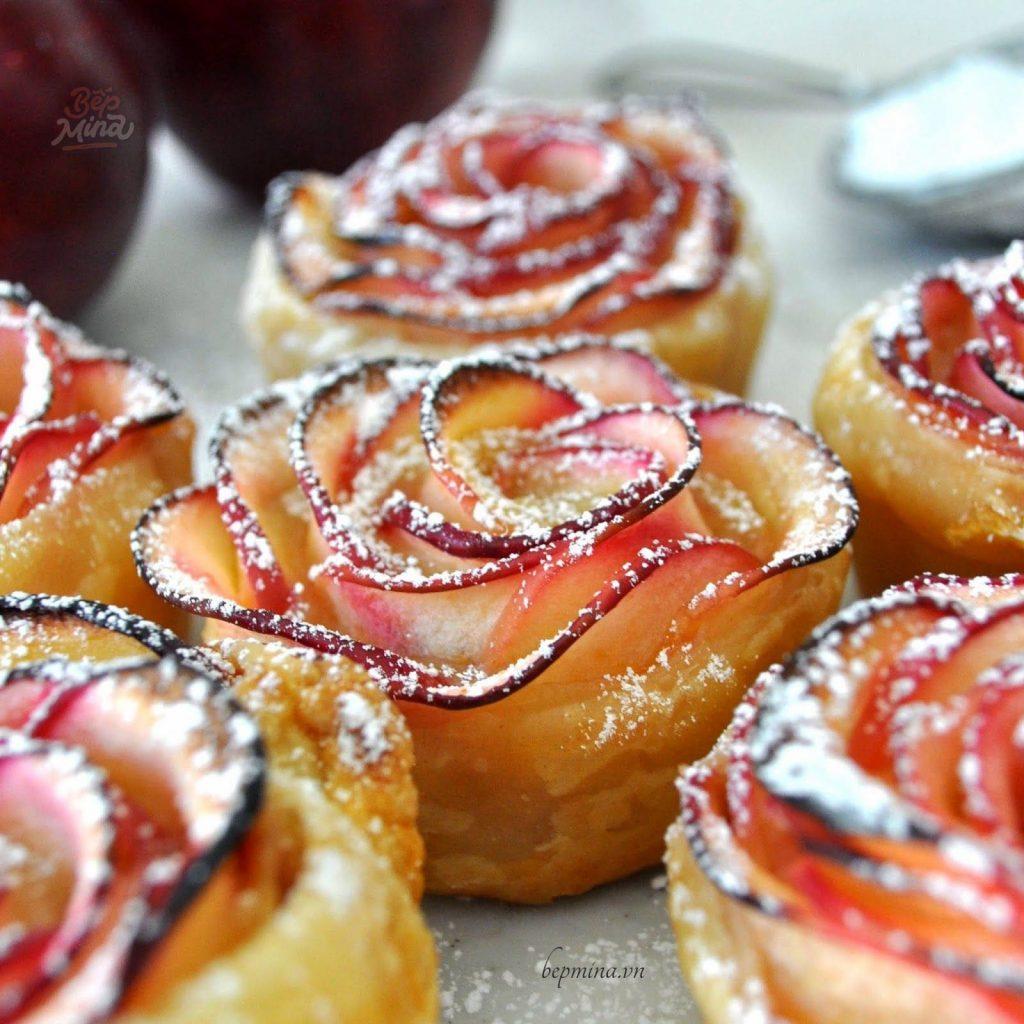 bánh táo quế hoa hồng