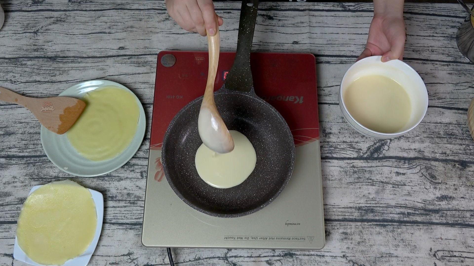 làm vỏ bánh crepe sầu riêng
