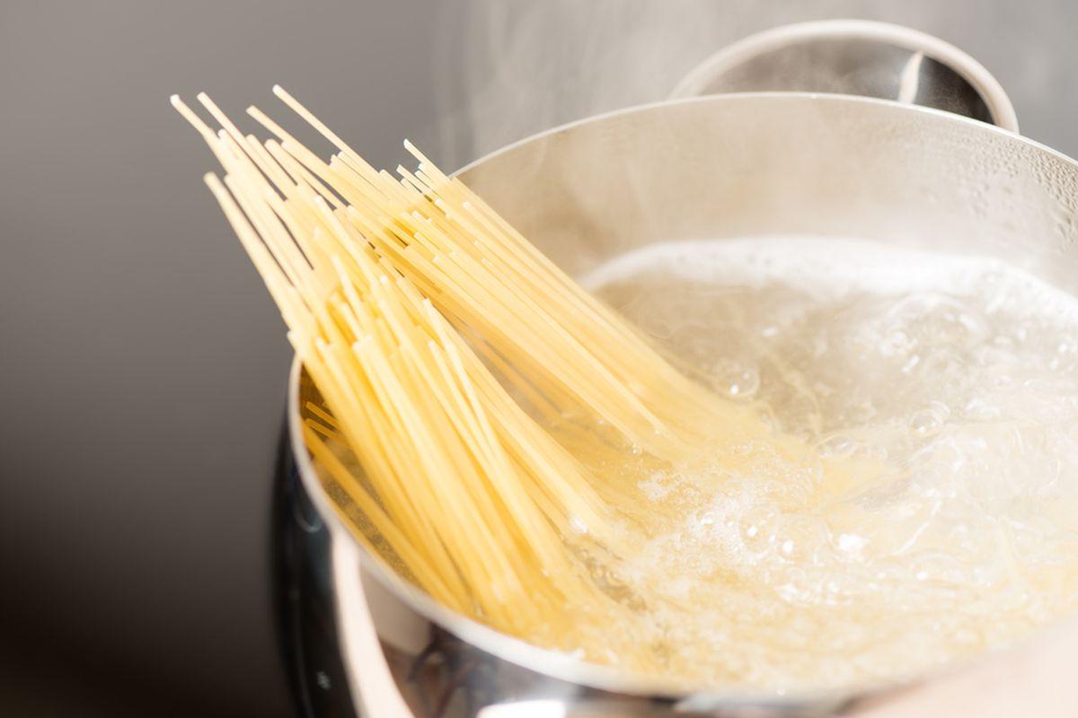 luộc mì Ý đúng cách