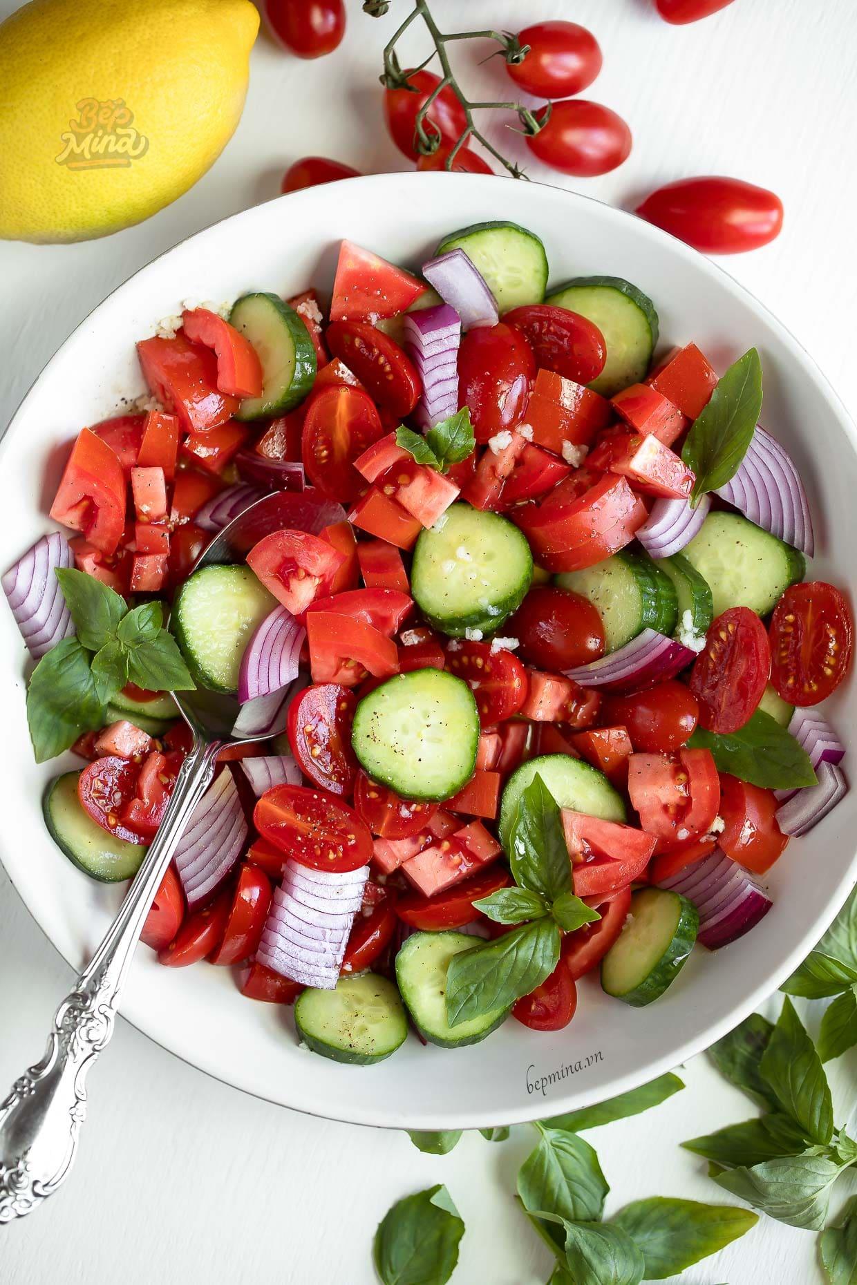 salad dưa chuột cà chua bi