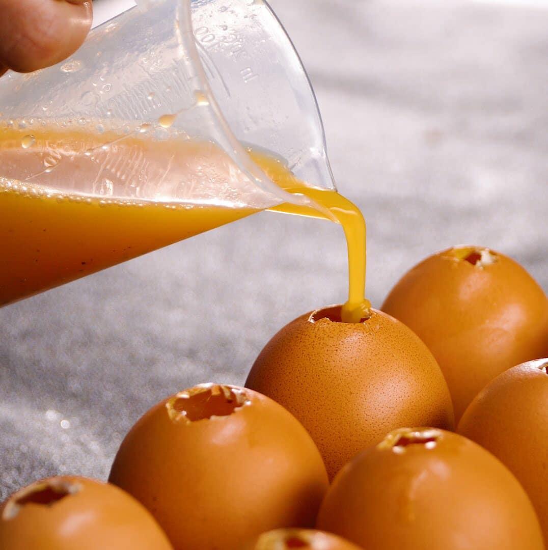 bơm trứng vào vỏ