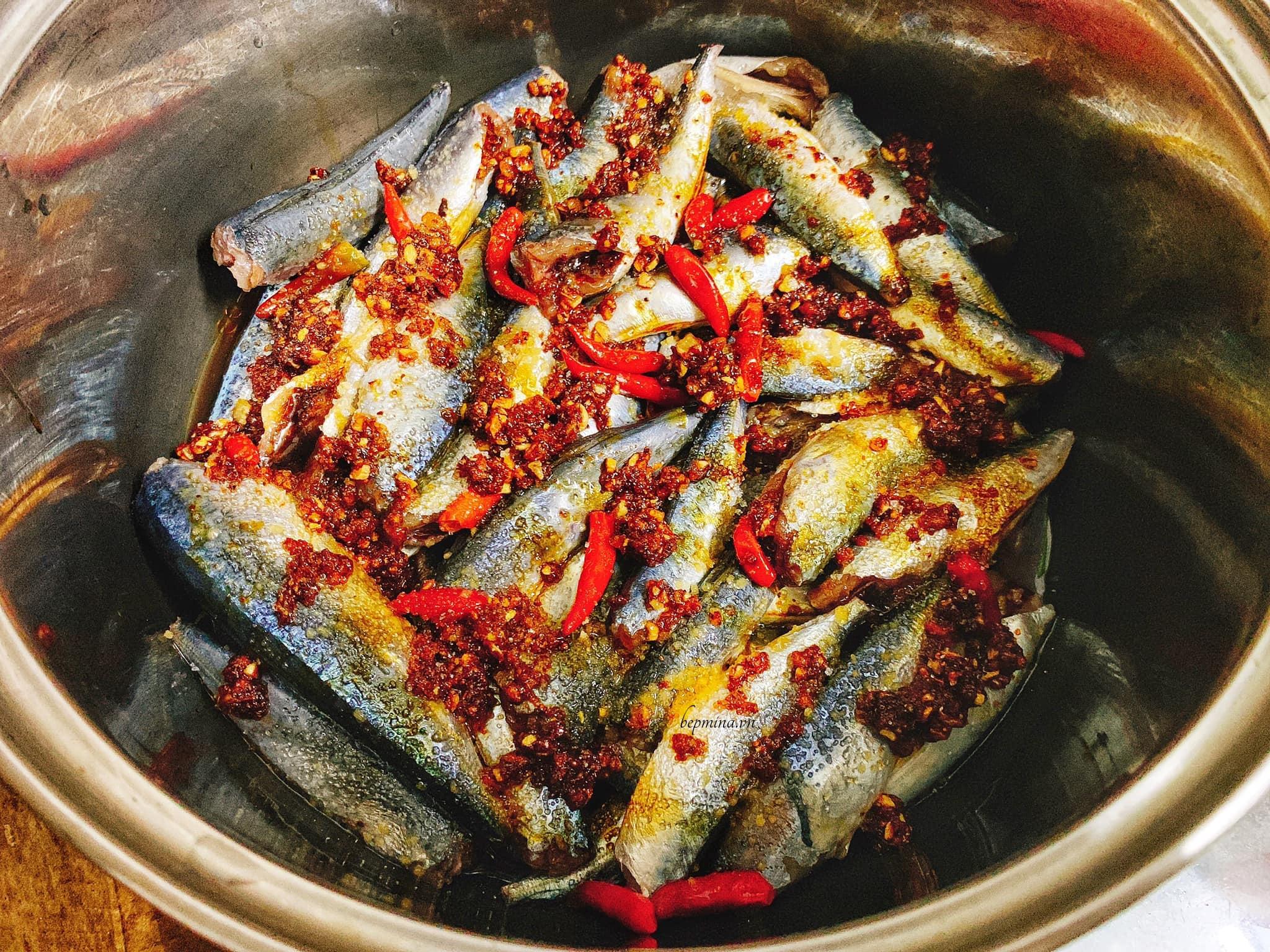 cá nục kho nước dừa