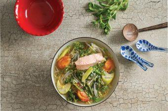 Cách nấu canh chua cá hồi Ngon, Không tanh, Cả nhà đều khen