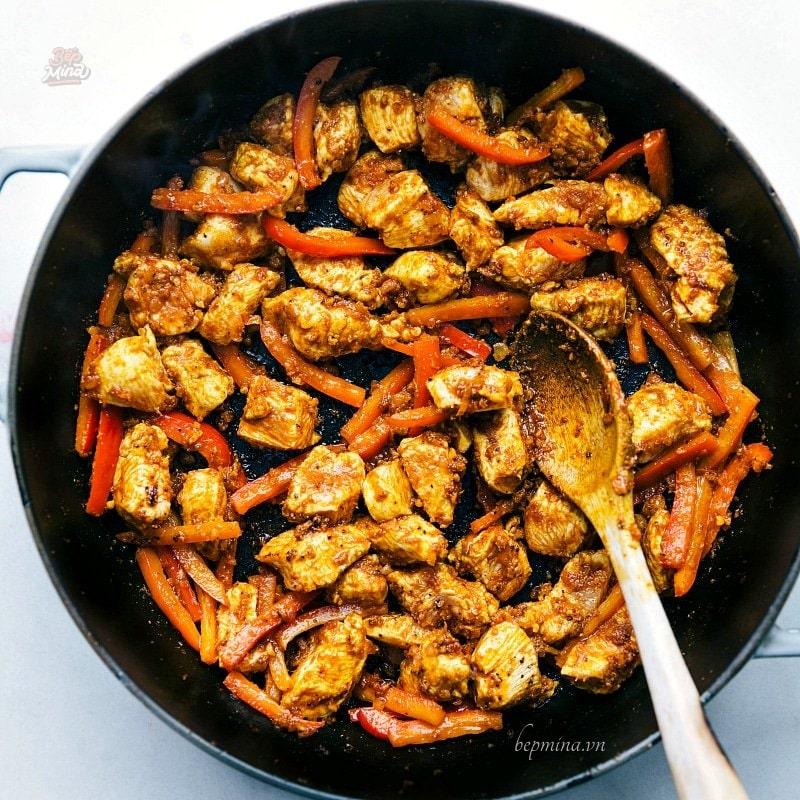 nấu cà ri gà nước cốt dừa
